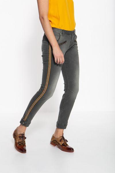 ATT JEANS Slim Fit Jeans mit sportlichem Band an den Seitennähten Lola