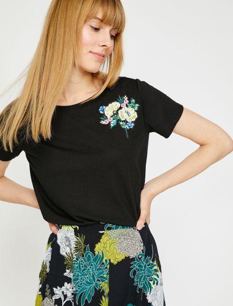 KOTON T-Shirt mit Blumen-Patch auf der Schulter