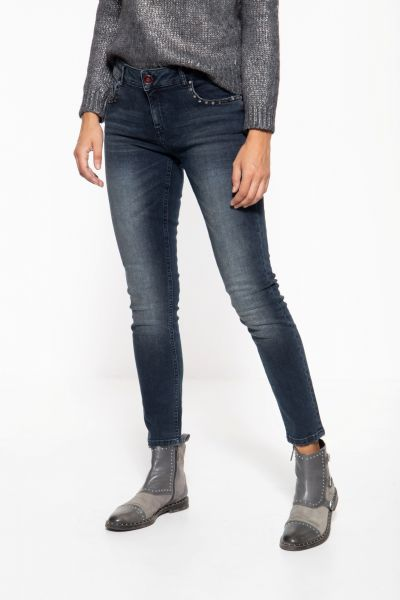 Slim Fit Jeans im 5-Pocket Design mit Nieten »Leoni«