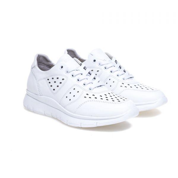 GREYDER Sneaker mit Ziersteppungen und breiter Gummisohle