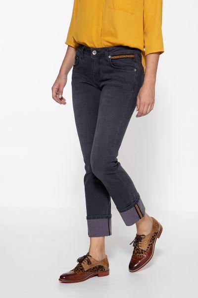 ATT JEANS Straight Cut Jeans mit Beinaufschlag und aufgestepptem Band Stella